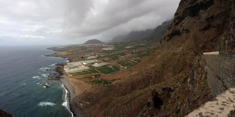 Pohľad na skalný útes Teno