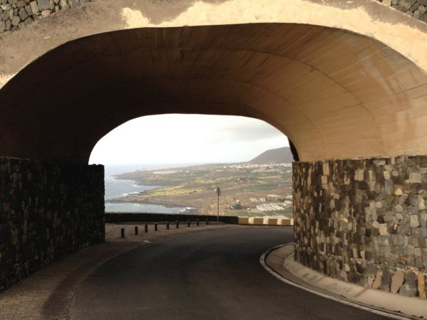 Úzka cesta na Punta de Teno
